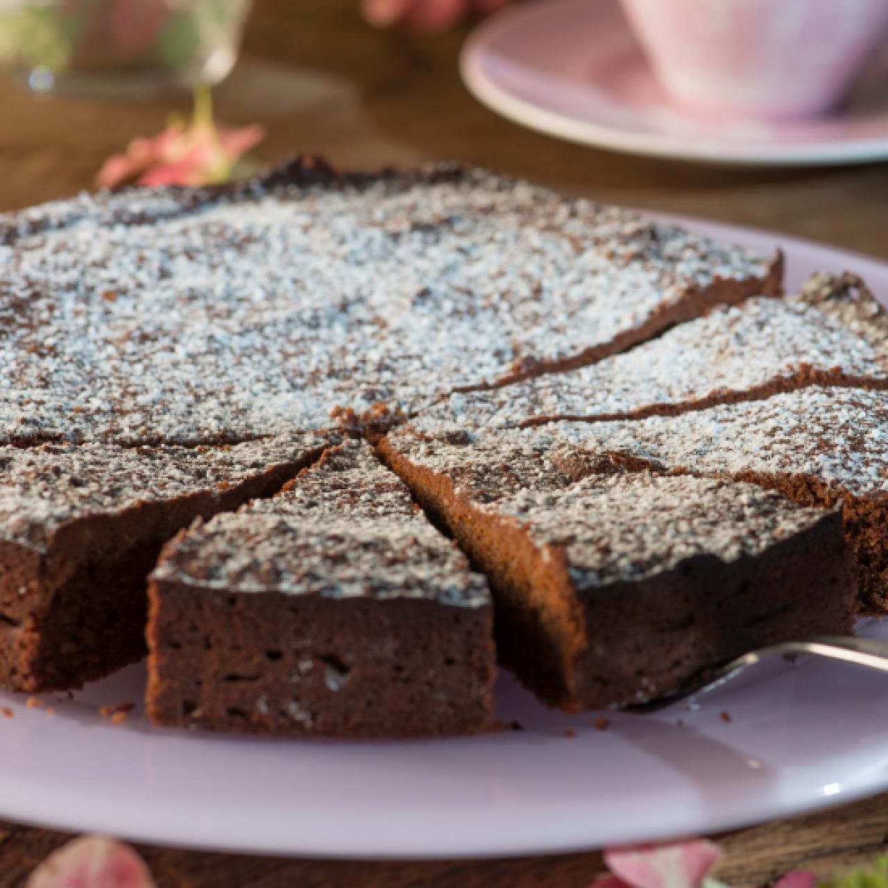 dunkler schokoladen nuss kuchen rezepte wochenblatt f r landwirtschaft landleben. Black Bedroom Furniture Sets. Home Design Ideas