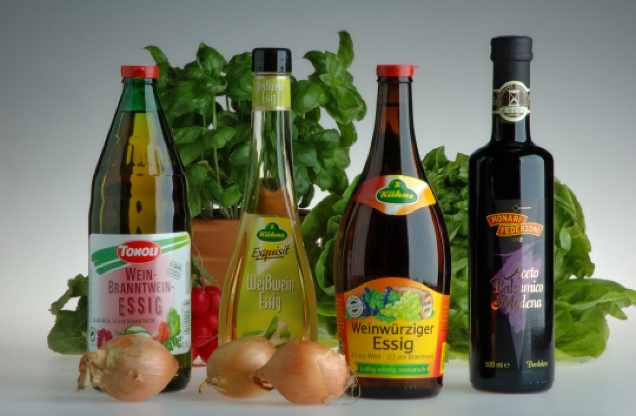 leckere salatdressings schnell zubereiten nachrichten landleben wochenblatt f r. Black Bedroom Furniture Sets. Home Design Ideas