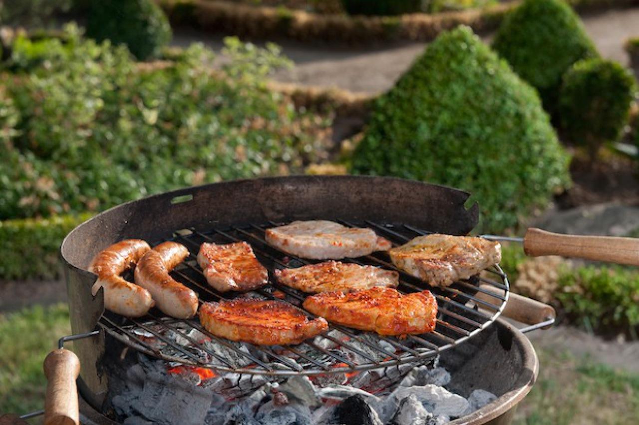 gute grills mit kohle oder gas haus haushalt landleben wochenblatt f r landwirtschaft. Black Bedroom Furniture Sets. Home Design Ideas